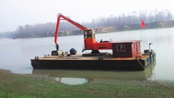 XZDDE260船吊清淤
