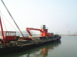 XZDDE260船用抓黄沙